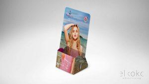 Diseño de flyers Málaga. Soporte para mostrador. Diseño de packaging.
